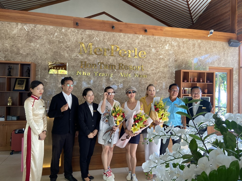MerPerle Resorts and Hotels welcomed Celeb Ky Duyen and her friends to Hon Tam Island 1